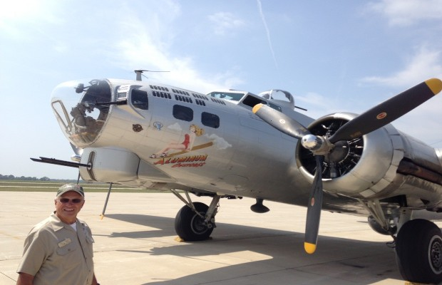 B-17 Bomber Lands in Springfield