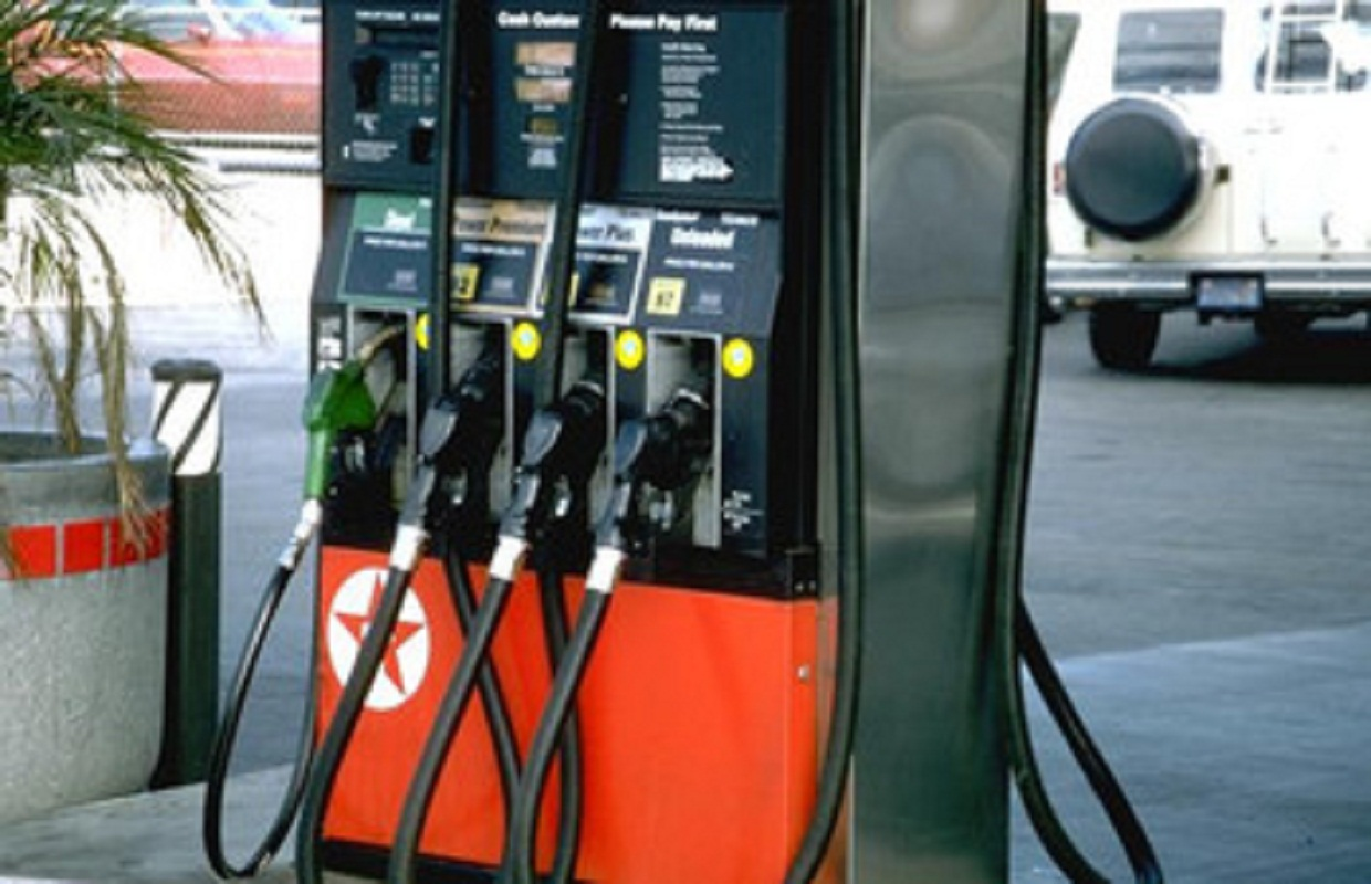 Quinn and Rauner Agree: Don't Raise the Gas Tax