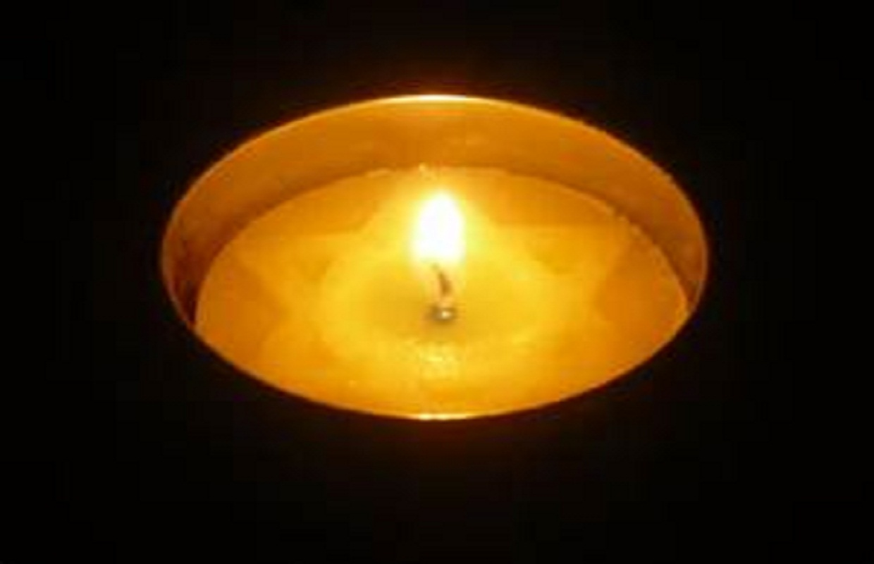 Solemn Ceremony Held to Remember Holocaust