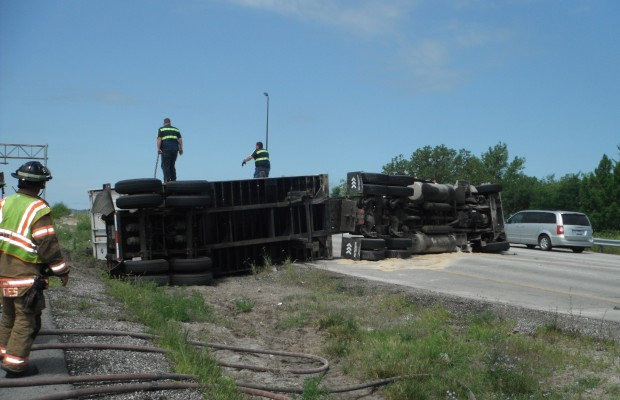 Semi Overturns on Sangamon Ave.