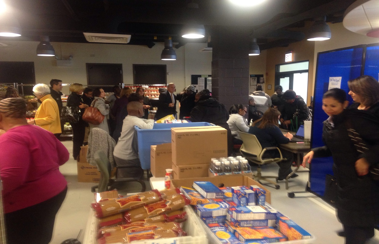 Food Pantries Open On Saturday In Chicago