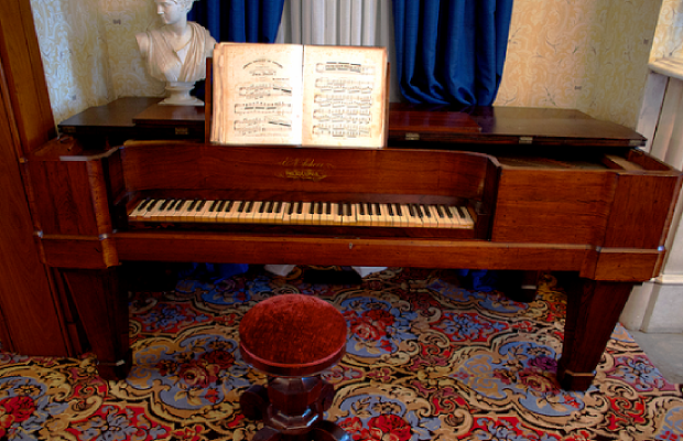 lincoln piano